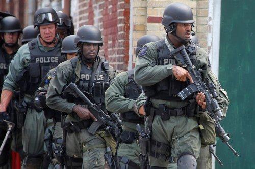 Militarized-cops.jpg