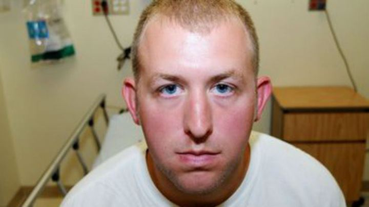 It sure doesn't look like Darren Wilson took the severe beating he claimed he got from Michael Brown.